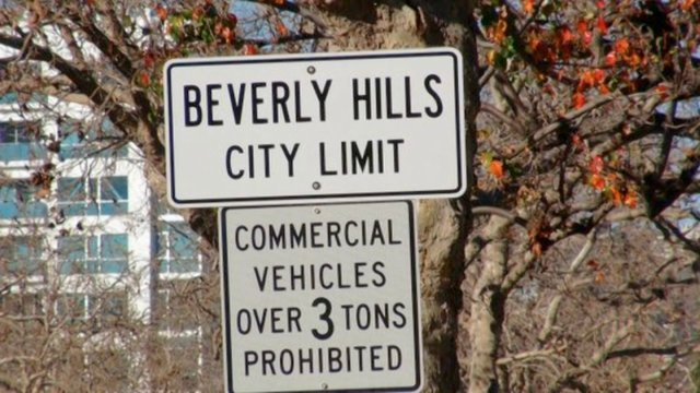 THE LINE BETWEEN LOS ANGELES & BEVERLY HILLS by Annetta Kapon